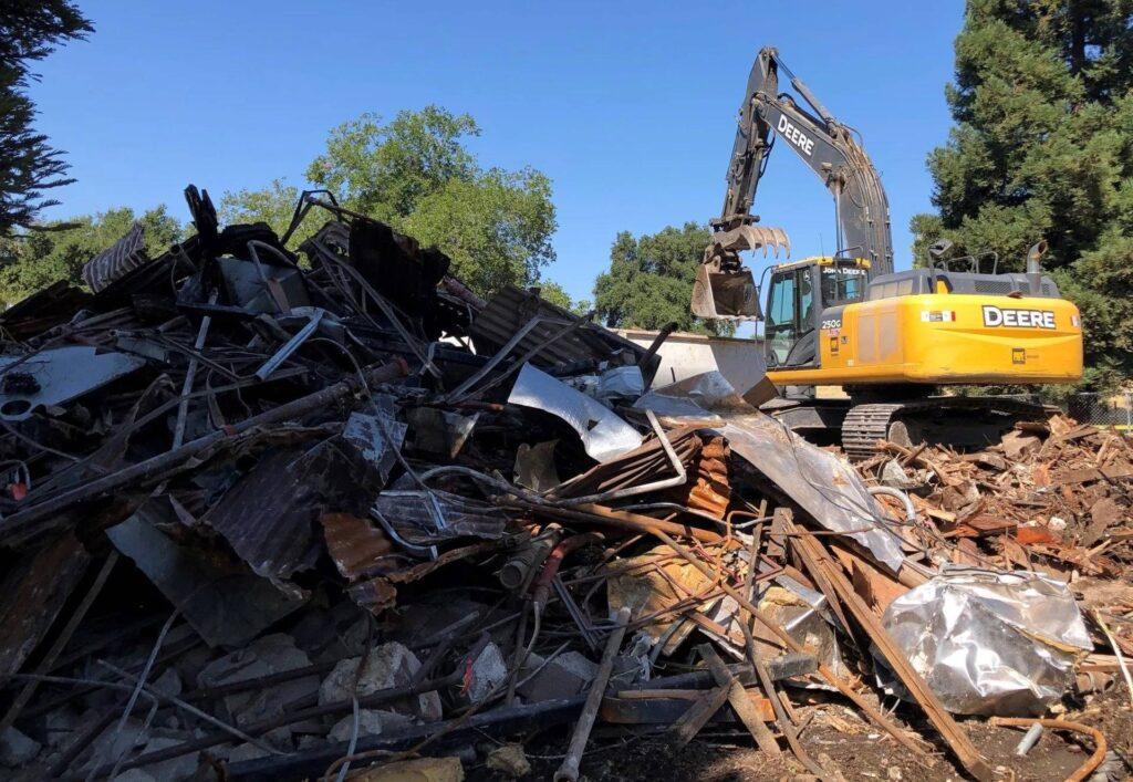 Debris+Pile+at+Rusty+Duck+(2)-1920w