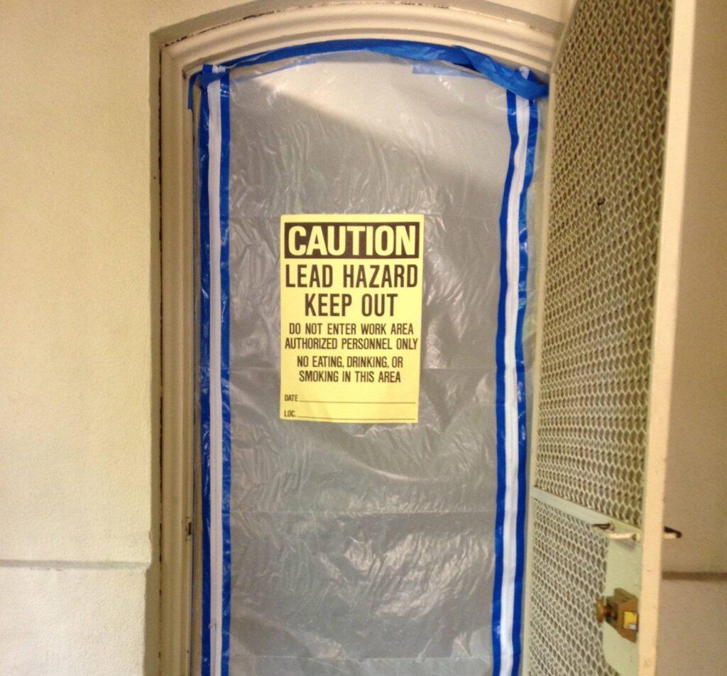 bathroom+entry+barricade-bfca392f